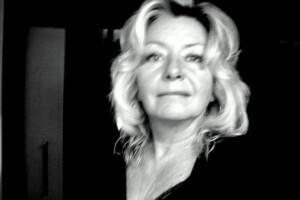 Portrait photographique de l'artiste Brigitte Labbé